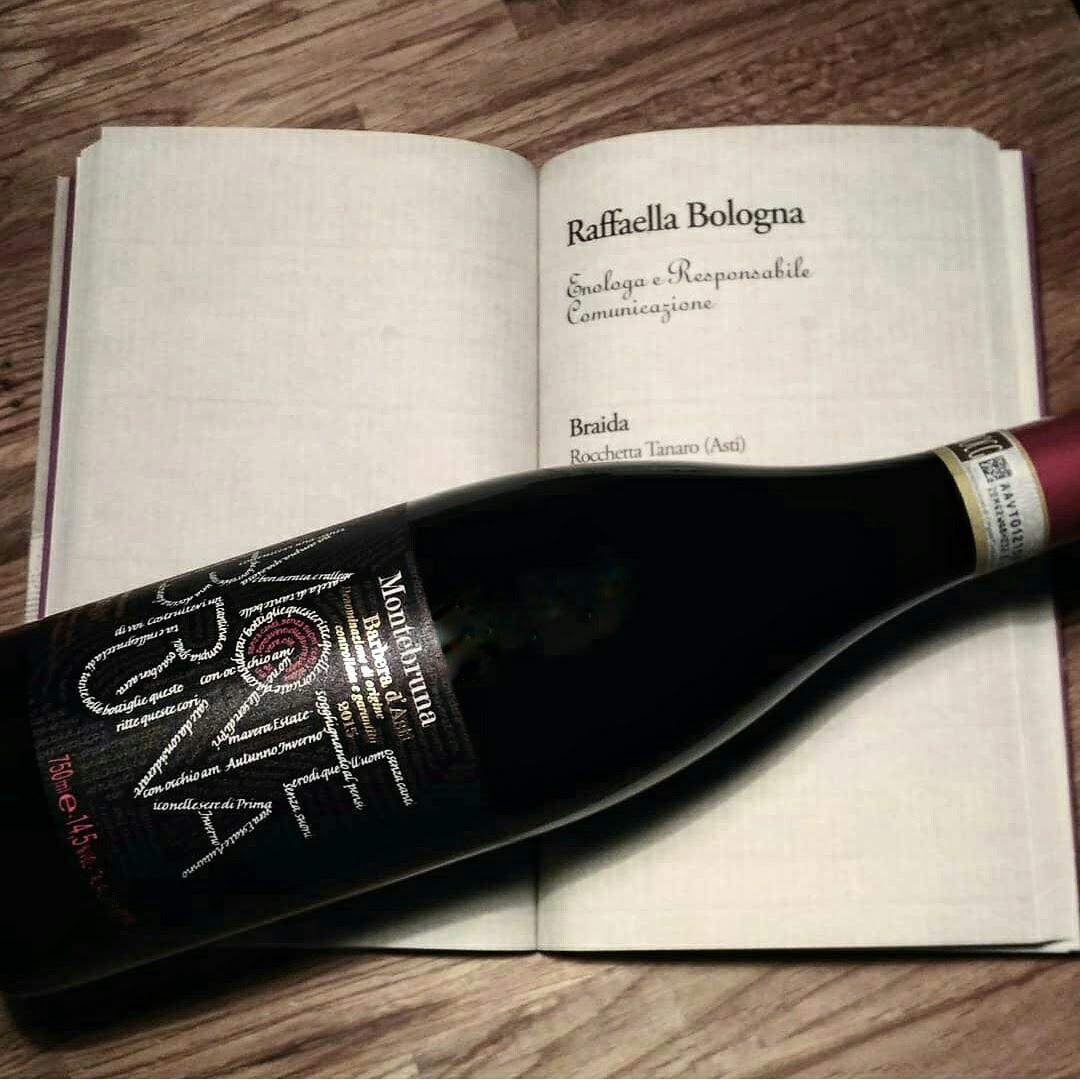 Libro con bottiglia di Braida Montebruna