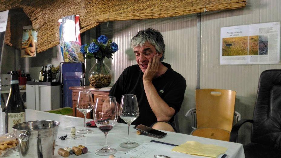 Claudio Mariotto durante la degustazione